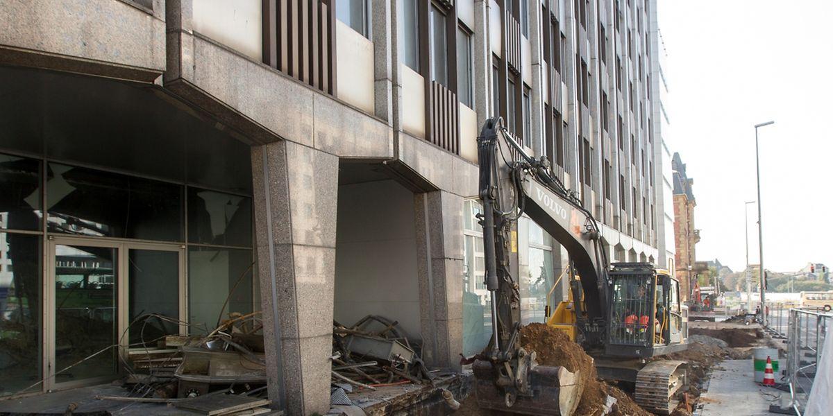 Le bâtiment qui hébergeait les locaux de la banque BGL BNP Paribas.