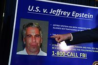 (FILES) In this file photo taken on July 8, 2019, US Attorney for the Southern District of New York Geoffrey Berman announces charges against Jeffrey Epstein in New York City. - The wealthy US financier Jeffrey Epstein, indicted on charges he trafficked underage girls for sex, committed suicide in prison, US news media reported on August 10, 2019. Epstein, who had hobnobbed with politicians and celebrities over the years and was already a convicted sex offender, hanged himself in his cell at the Metropolitan Correctional Center and his body was found around 7:30 Saturday morning, The New York Times and other media said, quoting officials. (Photo by STEPHANIE KEITH / GETTY IMAGES NORTH AMERICA / AFP)