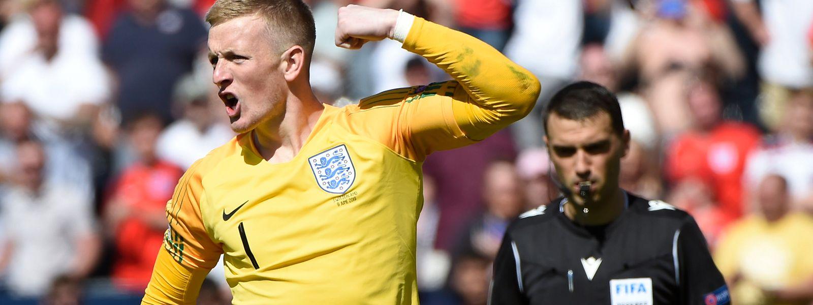 Jordan Pickford, guarda-redes inglês, foi preponderante na vitória da Inglaterra frente à Suíça.