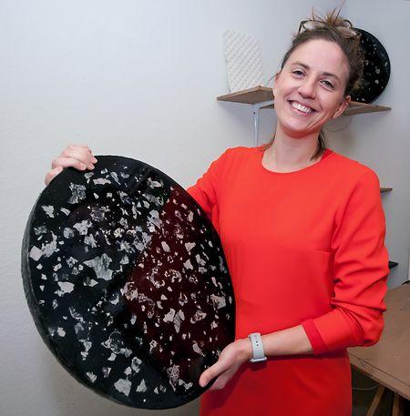 Aude Legrand arbeitet mit verschiedenen Materialien. Sie bietet ein Keramikkurs an.