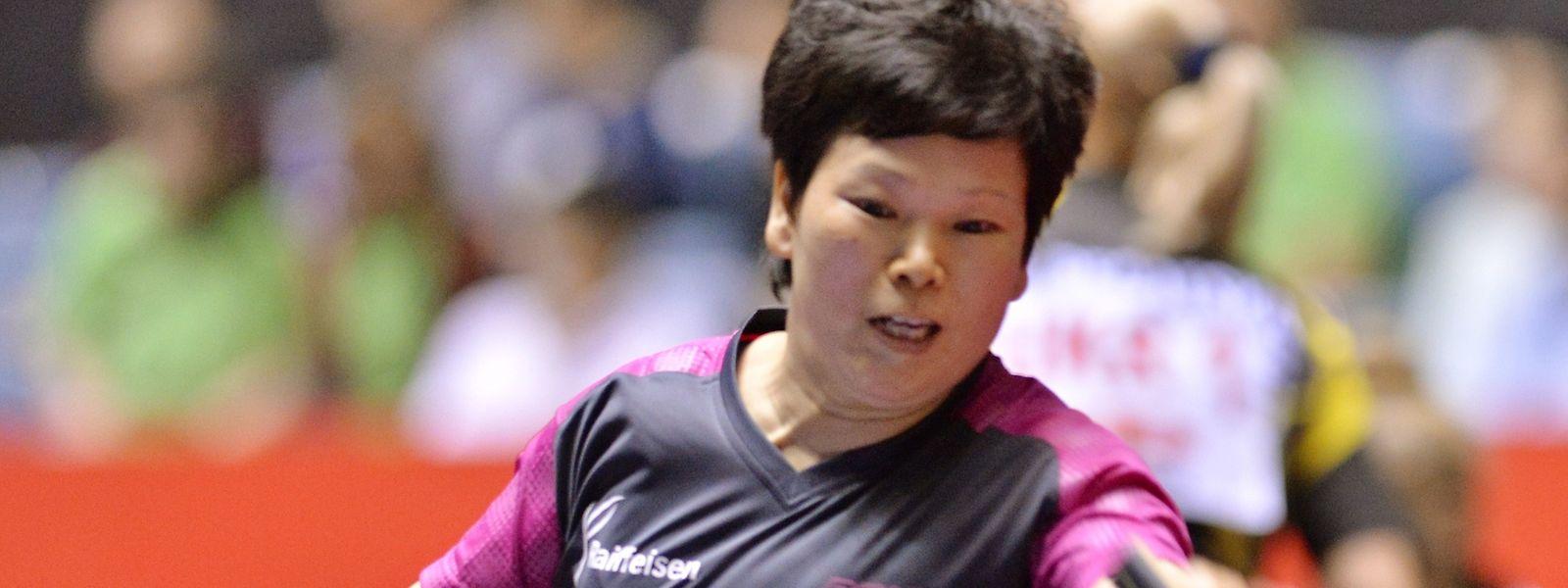 No ténis de mesa, Ni Xialian, igualmente da selecção olímpica luxemburguesa, chegou à segunda ronda, onde perdeu com Y Shin, sul-coreana, 41 anos mais nova.