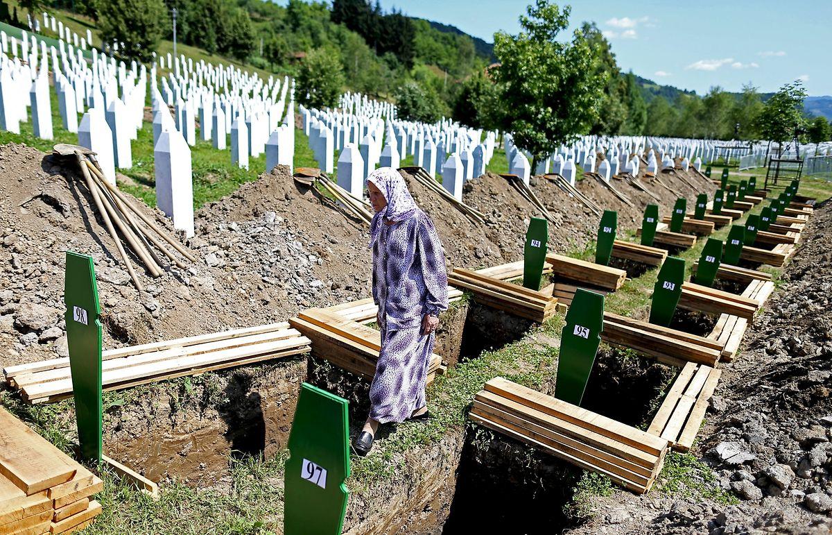 Am Samstag, 11. Juli 2015, dem 20. Jahrestag des Massakers von Srebrenica, werden weitere 136 sterbliche Überreste neu identifizierter Opfer auf der Gedenkstätte Potocari beigesetzt.