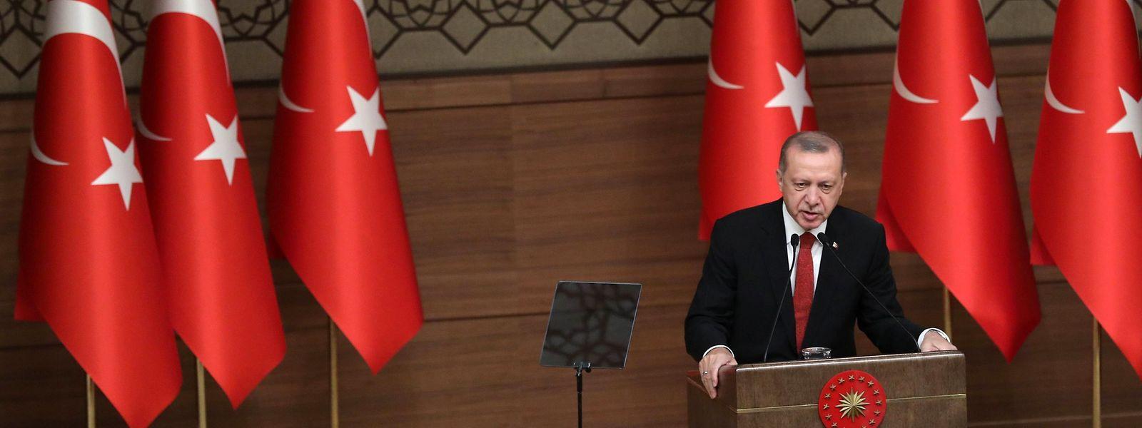 Erdogan hatte den international kritisierten Notstand nach dem Putschversuch im Sommer 2016 verhängt.