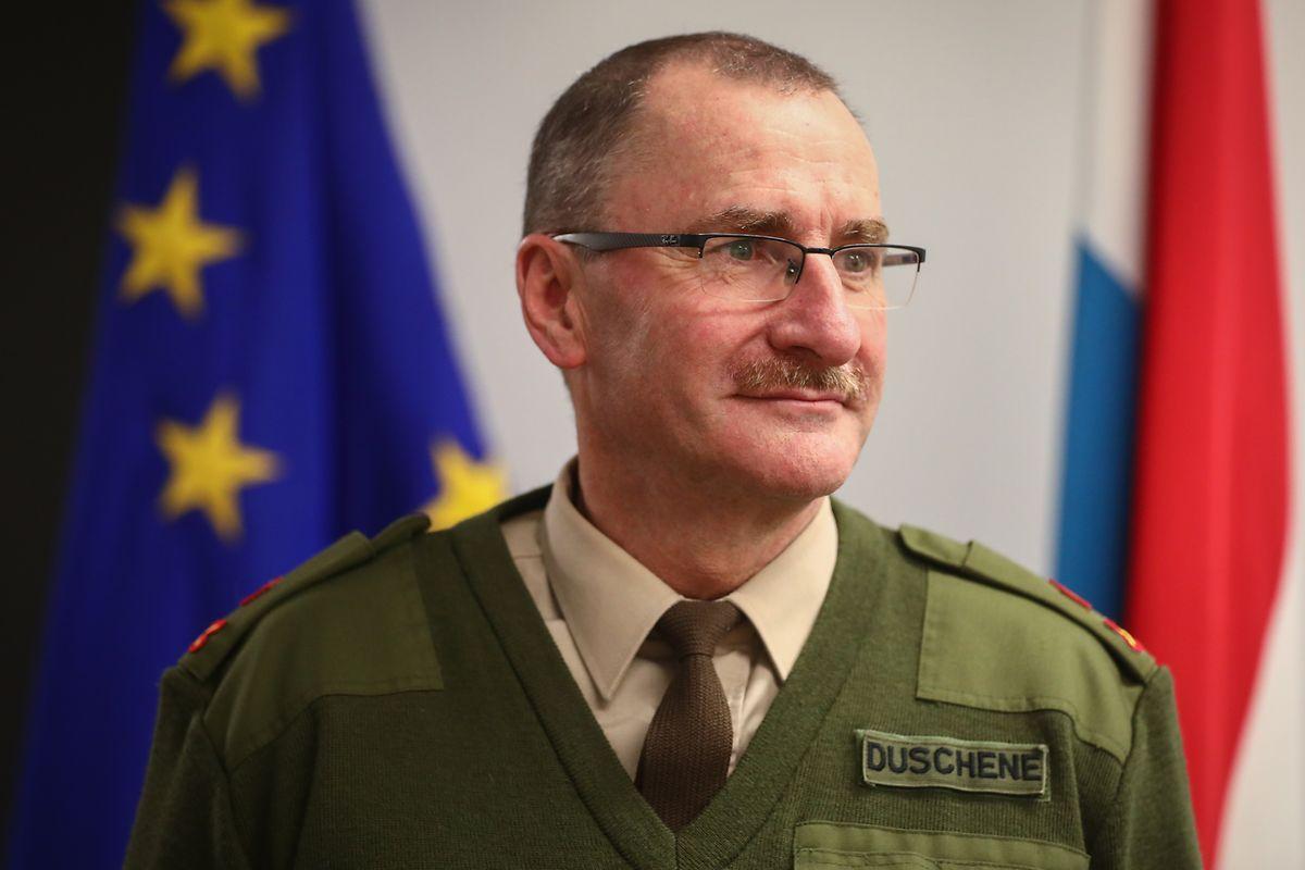 «Le sous-officier que M. Schleck doit remplacer (au BOI) est aussi membre actif d'un syndicat», assure le général Duschène et écarte l'idée d'incompatibilité du poste avec un engagement syndical.