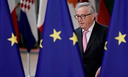 President of the European Commission Jean-Claude Juncker arrives for an European Council Summit at The Europa Building in Brussels, on June 30, 2019. - Deadlocked EU leaders meet for a rare weekend summit seeking to fill senior European positions and settle a battle that has split key allies France and Germany. (Photo by Kenzo TRIBOUILLARD / AFP)