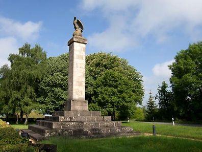Er thront seit 1855 - mit einigen Jahren Pausen - über Dalheim: der Adler.