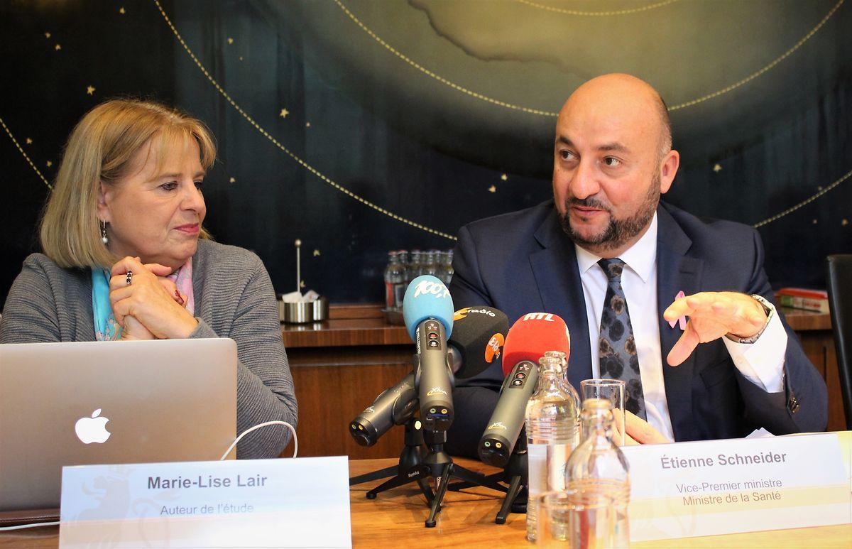 Marie-Lise Lair en octobre 2019 aux côtés d'Etienne Schneider, alors ministre de la Santé.