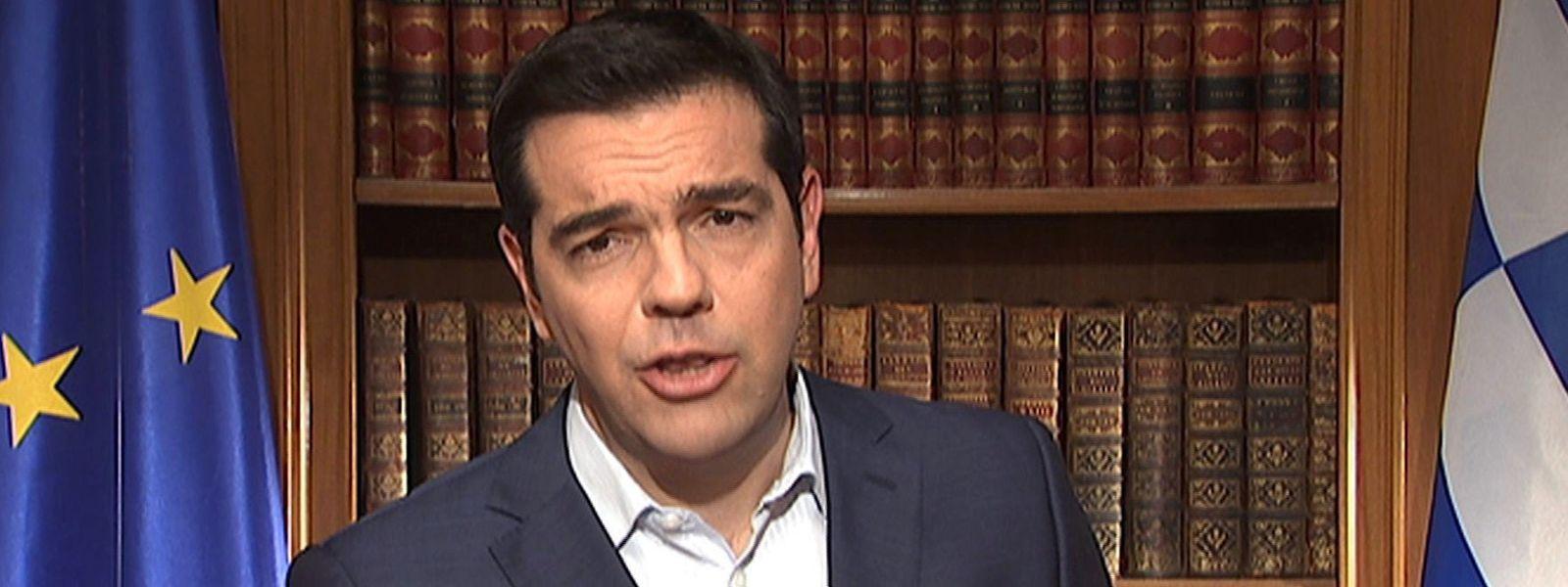 Alexis Tsipras durante o discurso transmitido hoje pela televisão grega