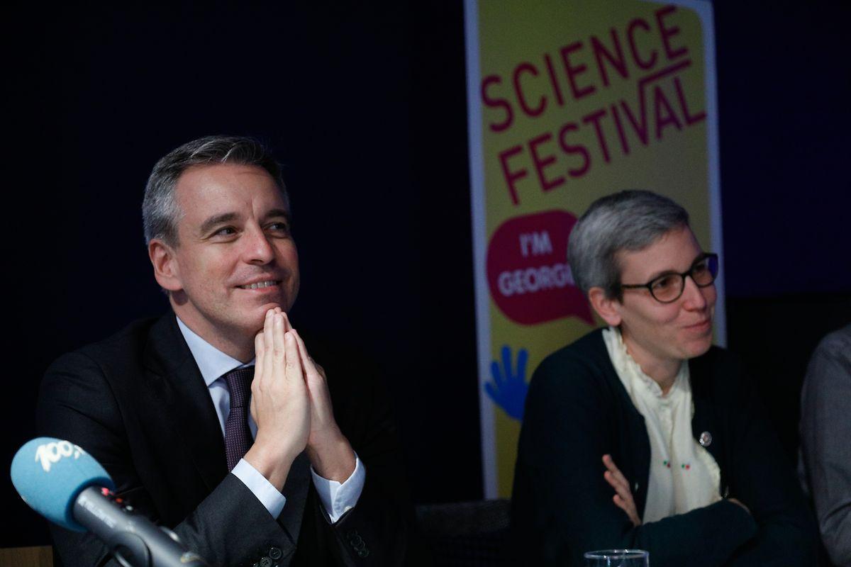 Minister Claude Meisch und Ministerin Sam Tanson sind überzeugt vom pädagogischen Konzept der Veranstaltung.