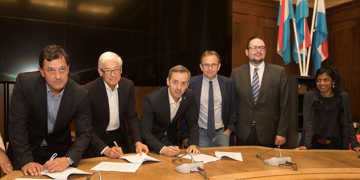 """Die Koalition zwischen CSV, DP und """"Déi Gréng"""" wurde am Dienstag unterschrieben."""