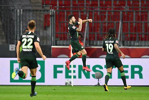 Bundesliga: Wolfsburg überrollt Leverkusen