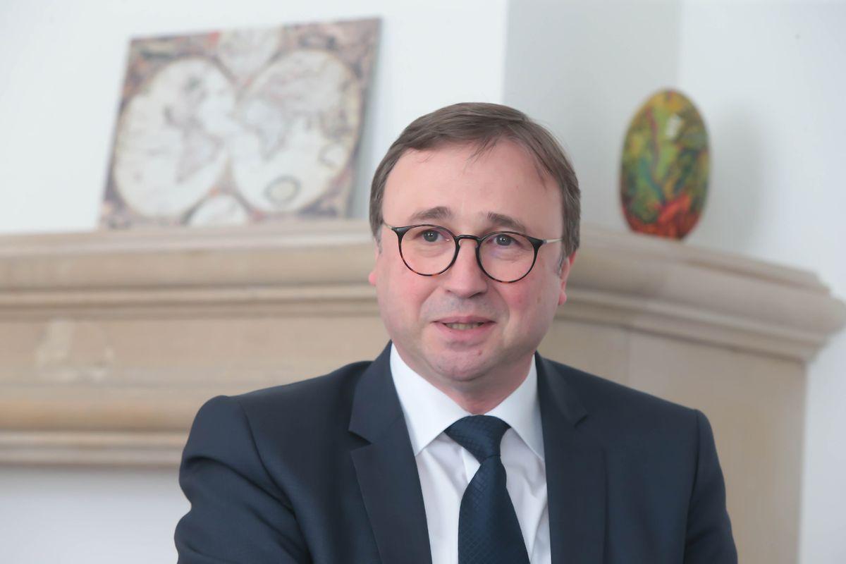 """André Bauler (DP): """"Die parlamentarische Arbeit wird immer umfangreicher und komplexer. Die Erhöhung des Personalbudgets für die Fraktionen ist kein Hüftschuss, sondern entspricht dem immer größer werdenden Bedarf."""""""