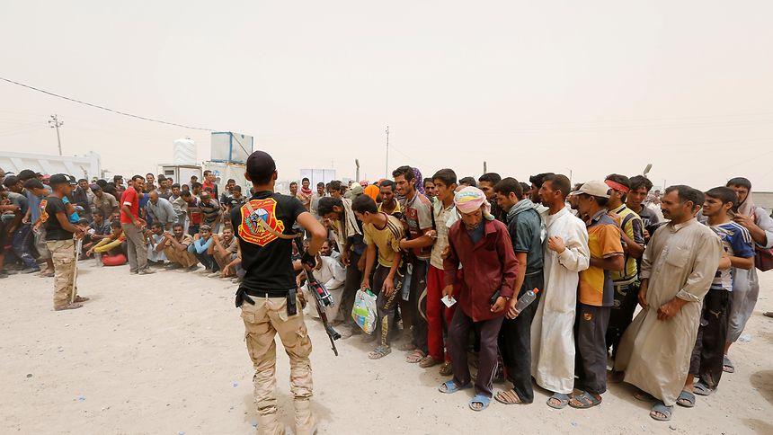 In der umlagerten Stadt Falludscha kündigt sich eine humanitäre Katastrophe an.