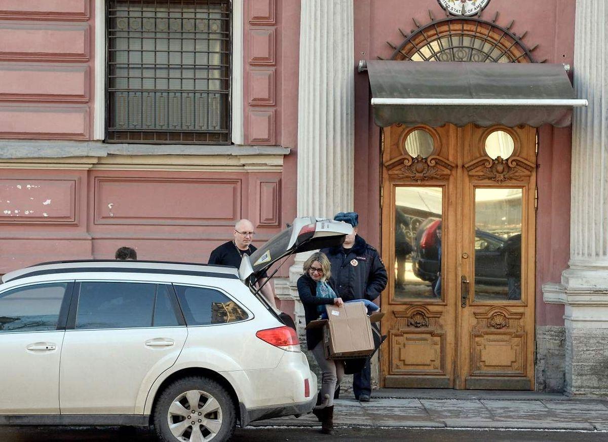 Bis Samstagabend haben die US-Diplomaten, um ihre Kisten wegzubringen.