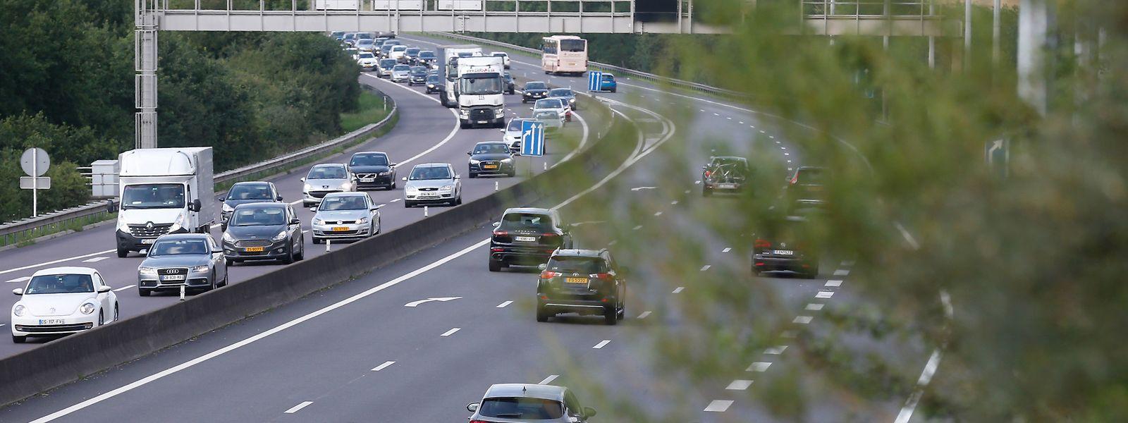 Quem vai viajar de carro até Portugal a partir do Luxemburgo poderá encontrar controlos em França e Espanha, visto que estes dois países (no caso de França algumas regiões) situam-se na 'zona vermelha'.