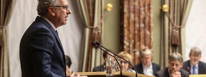 Kontinuität, Zuverlässigkeit, Solidarität: laut Finanzminister Gramegna die drei Merkmale des Etatentwurfs.