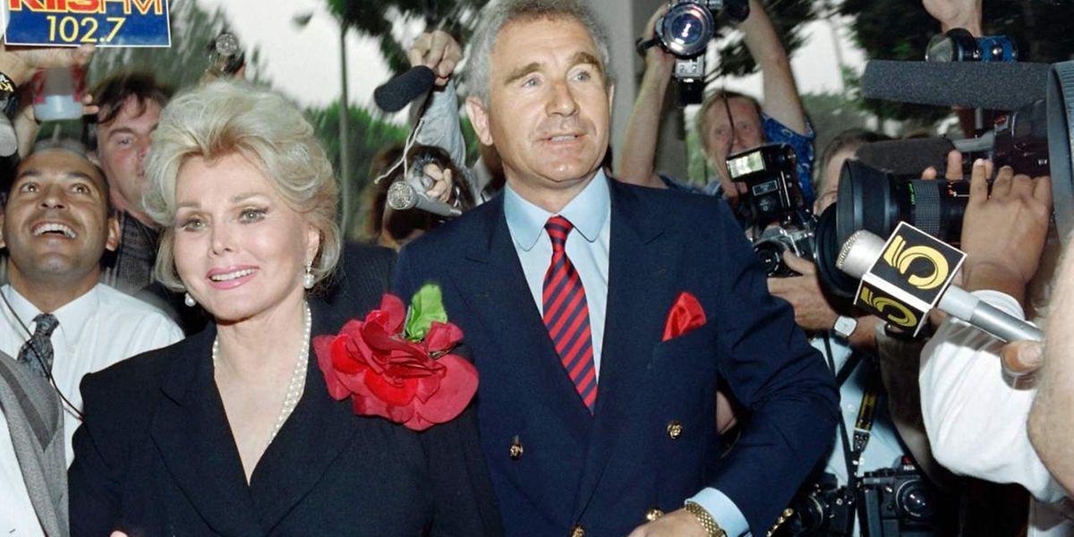 Zsa Zsa Gabor und ihr illustrer Ehemann Prinz Frederick von Anhalt 1989.