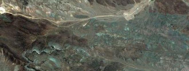 Das Satellitenfoto zeigt die wahrscheinliche Lage der neuen iranischen Urananreicherungsanlage nahe der iranischen Stadt Ghom (Foto: Digitalglobe).
