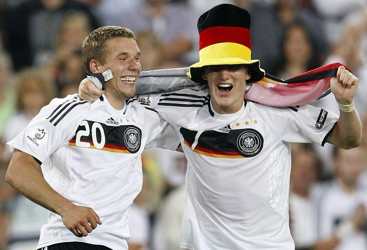 Lukas Podolski und Bastian Schweinsteiger verbindet eine lange Freundschaft.