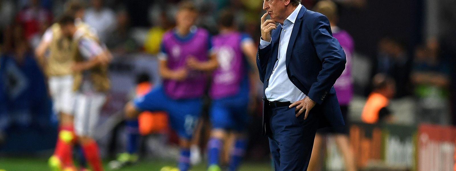 Ratlos: Roy Hodgson nach der 1:2-Niederlage gegen Island.