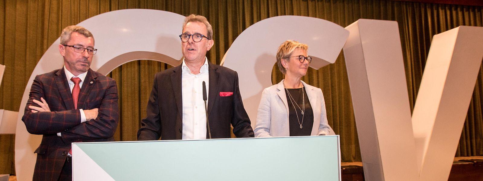 Obwohl er bei Pressekonferenzen normalerweise Parteipräsident Frank Engel (links) und Fraktionschefin Martine Hansen den Vortritt lassen muss, ist Generalsekretär Félix Eischen (Mitte) dennoch beliebter.