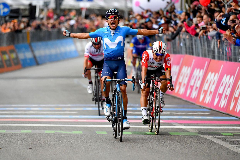Richard Carapaz (ECU/Movistar) gewinnt die vierte Etappe von Orbetello nach Frascati über 235km vor dem Australier Caleb Ewan (Lotto)