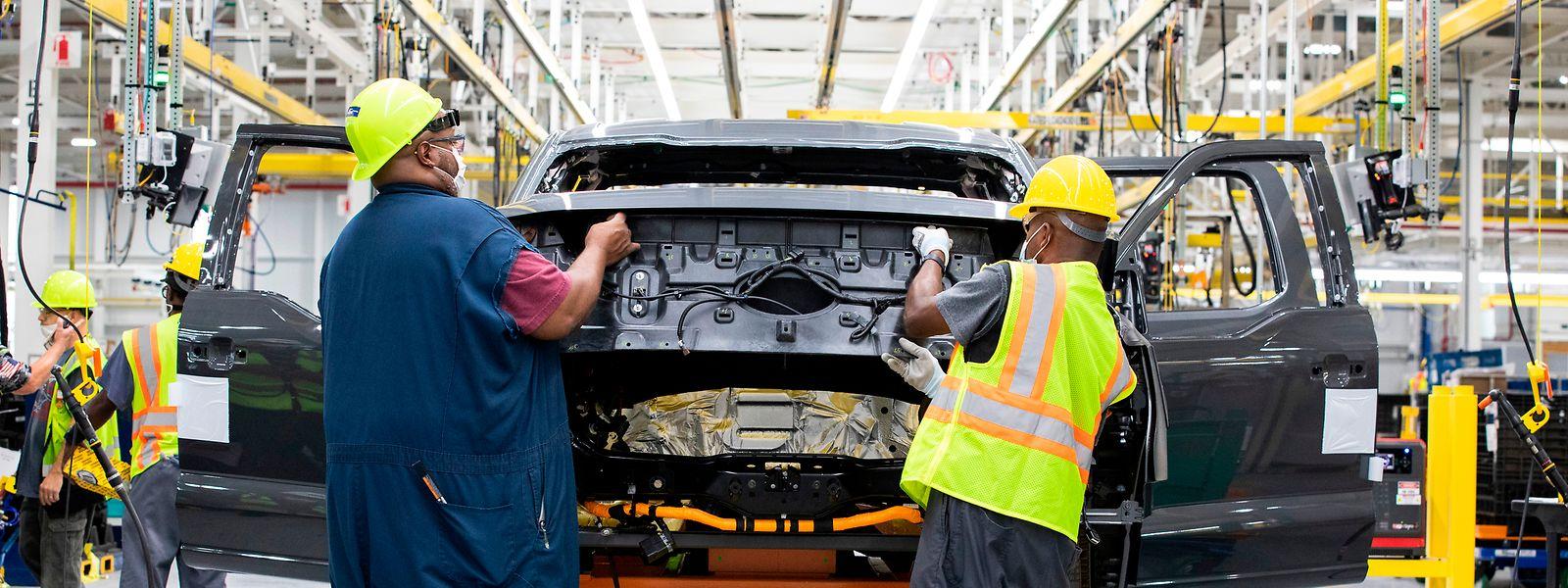 Im Rouge Electric Vehicle Center in Dearborn ist die Vorproduktion des Ford F-150 Lightning im Gange, der 2022 auf den Markt kommt.