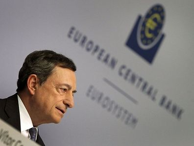 The President of the European Central Bank (ECB) Mario Draghi addresses the media during a press conference following a meeting of the ECB's Governing Council in Frankfurt am Main, western Germany, on July 21, 2016. The European Central Bank is ready, willing and able to help put the eurozone economy back on its feet, if needed, president Mario Draghi said. / AFP PHOTO / DANIEL ROLAND