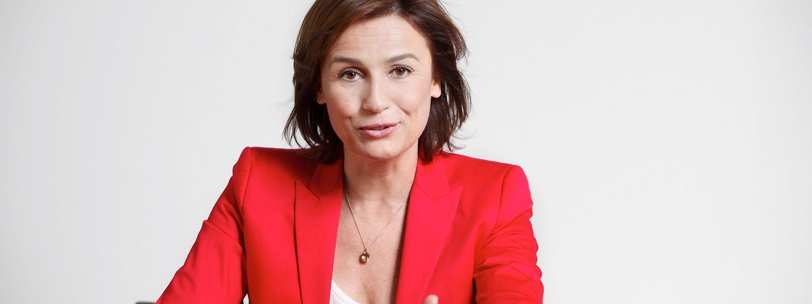 """Seit 13 Jahren moderiert die beliebte TV-Journalistin die Sendung """"Maischberger""""."""