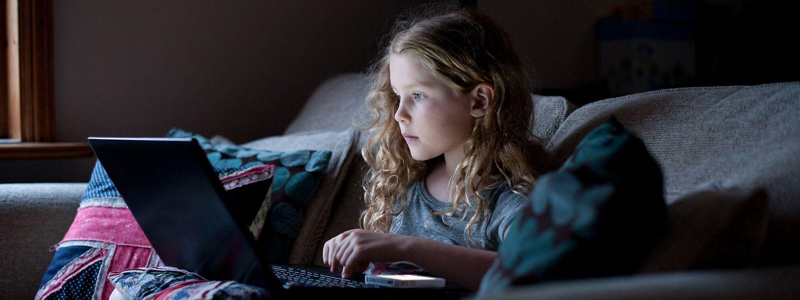 Kontrolle der Medien ist durch das Internet unmöglich geworden, jetzt heißt es, zum richtigen Umgang erziehen.