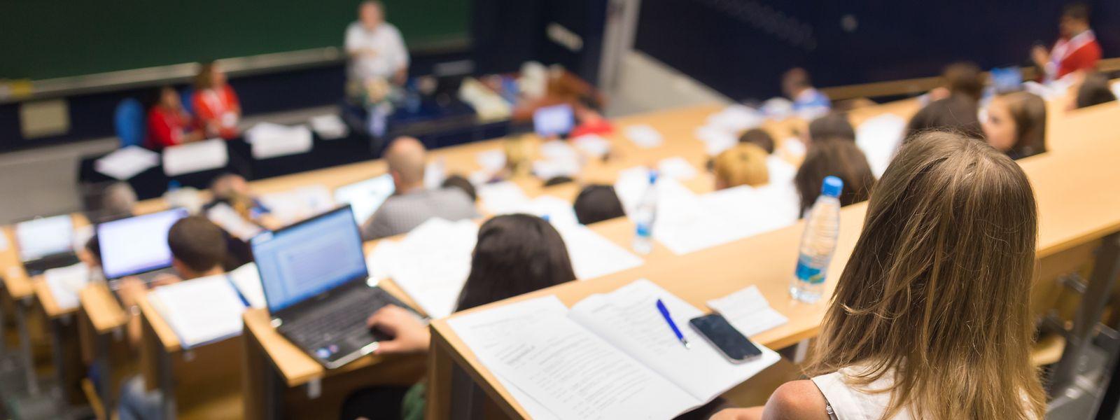 Le service de l'assistance consulaire du ministère des Affaires étrangères et européennes se tient à la disposition des étudiants pour leur porter assistance en cas de besoin.