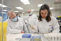 Australian Prime Minister Scott Morrison tours the Astra Zeneca laboratories in Macquarie Park, Sydney, Wednesday, August 19, 2020. The Australian government has signed a deal with AstraZeneca for the supply of a COVID-19 vaccine. (AAP Image/Pool, Nick Moir) NO ARCHIVING
