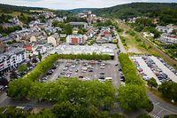 Die Umgestaltung der Place Fohrmann (links) und die Verlegung der angrenzenden Route de Thionville in Richtung Zuggleise (rechts) sind zentrale Unterfangen in Bezug auf die Entwicklung des Stadtkerns.