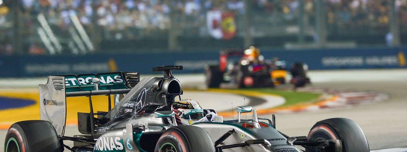 O piloto inglês da Mercedes obteve a sua sétima vitória na prova