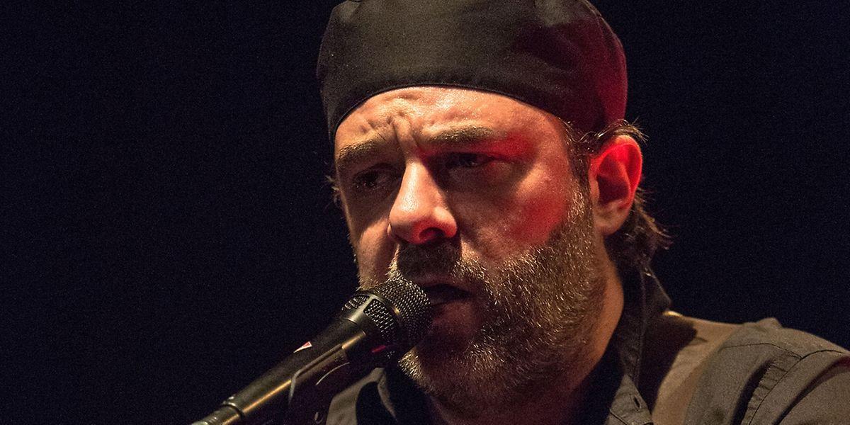 Serge Tonnar verzichtet bei seiner aktuellen Tour auf seine Band.