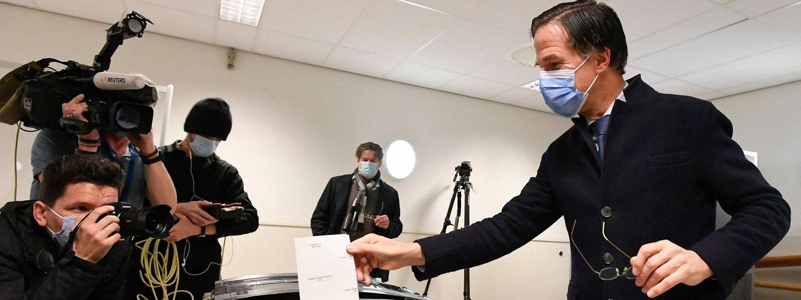 Mark Rutte bei der Stimmabgabe in Den Haag.