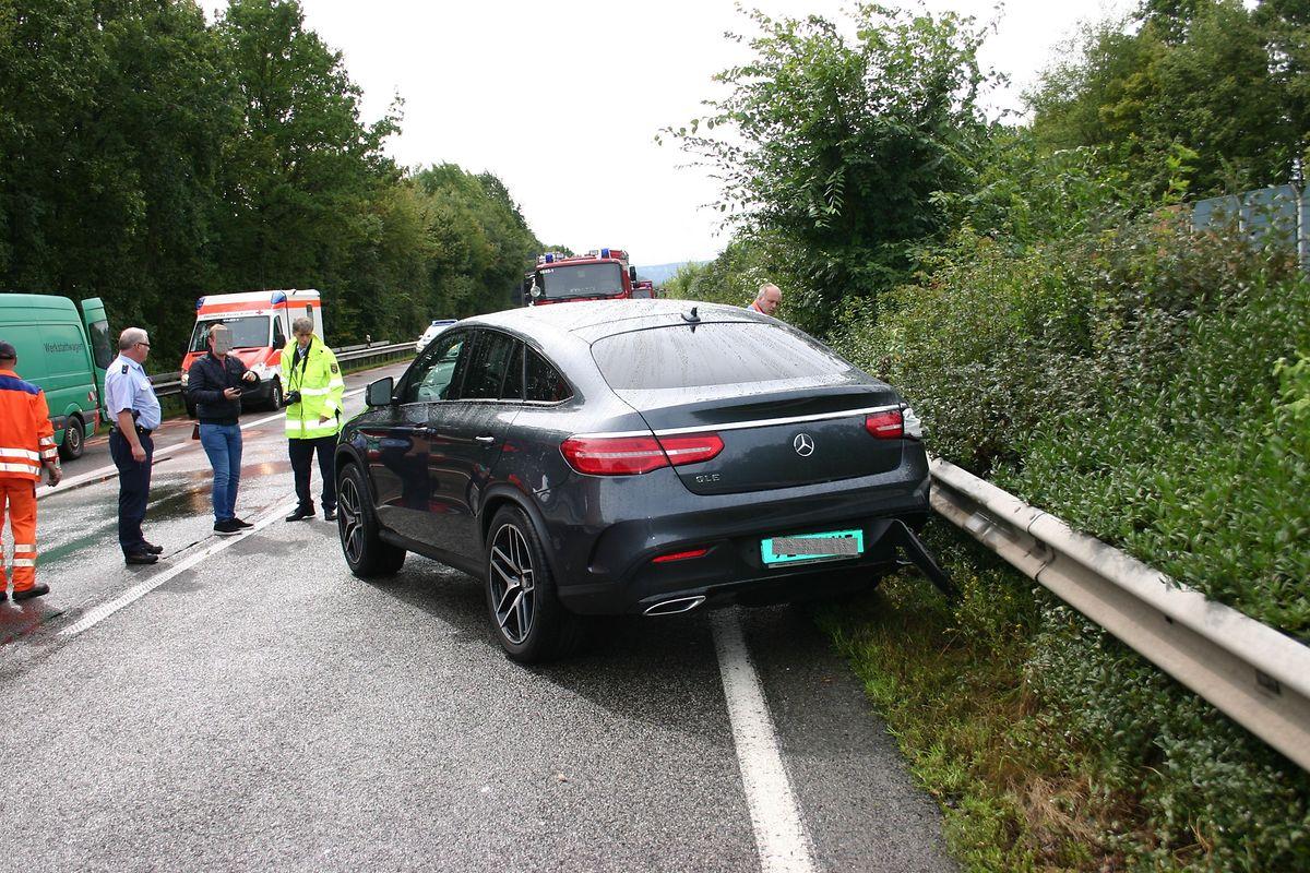 Nach dem ersten Unfall musste die A1 erneut gesperrt werden, um die Landung eines Air Rescue-Rettungshubschraubers zu erlauben.