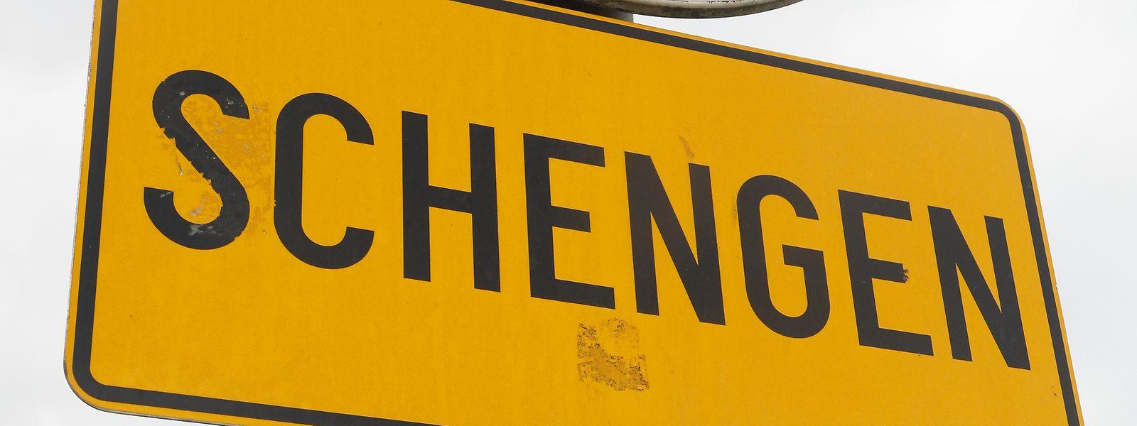 Die Grenze bei Schengen zu passieren, um in Deutschland Einkäufe zu tätigen, ist für viele Luxemburger Alltag.