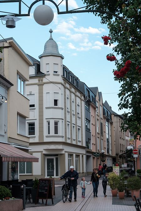 Plenty of shops in the Gare quarter Photo: V Wittal