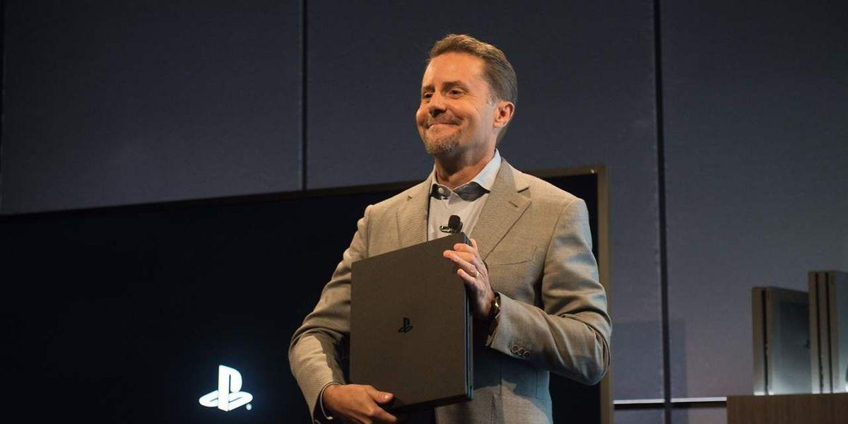 In New York hat der japanische Elektronikhersteller Sony am Mittwoch Updates zur drei Jahre alten Playstation 4 vorgestellt.