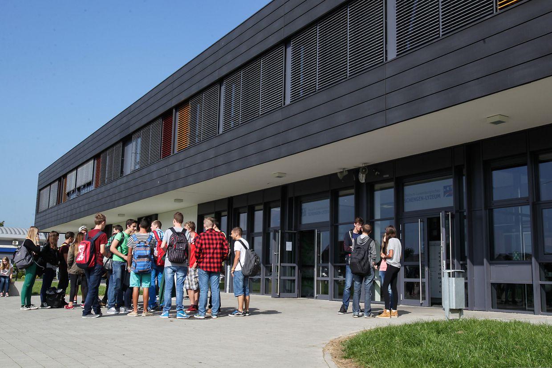 Schulbeginn im Schengen Lyzeum in Perl.