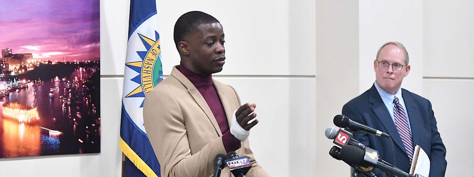 """James Shaw Jr. bei einer Pressekonferenz: """"Ich bin kein Held. Aber wenn er mich umbringen wollte, sollte er dafür arbeiten müssen."""""""