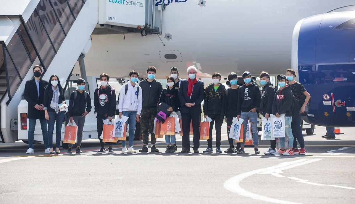 Die zwölf unbegleiteten minderjährigen Flüchtlinge bei ihrer Ankunft in Luxemburg.