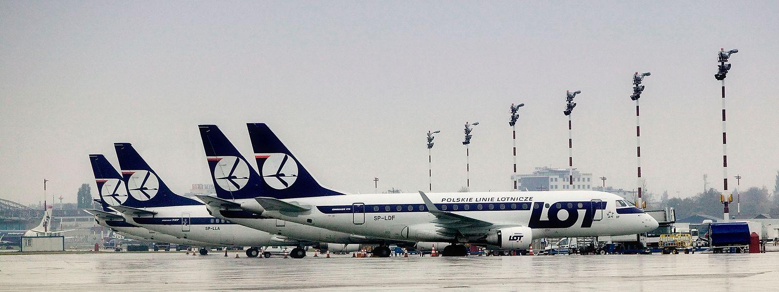 Die Airline setzt Maschinen des Typs Embraer ein.