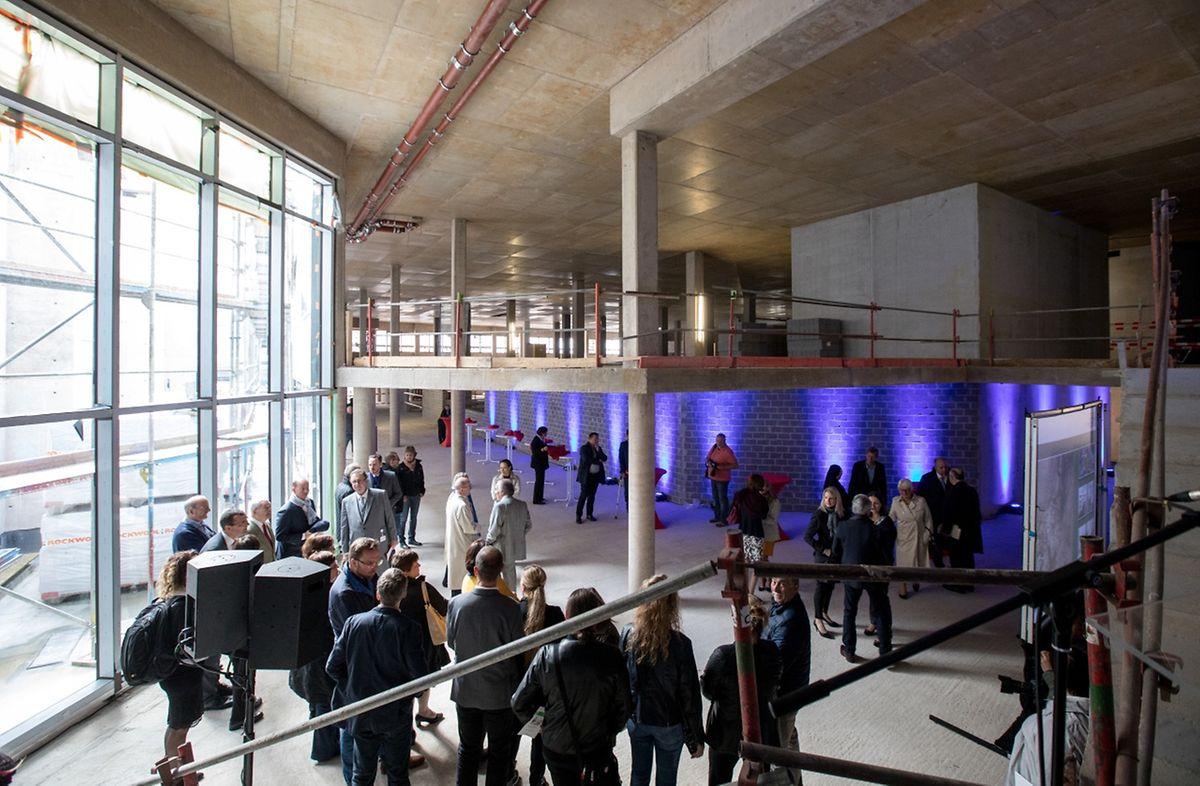 """Die Räume im """"E-Bau"""" der ZithaKlinik sind modern und lichtdurchflutet."""