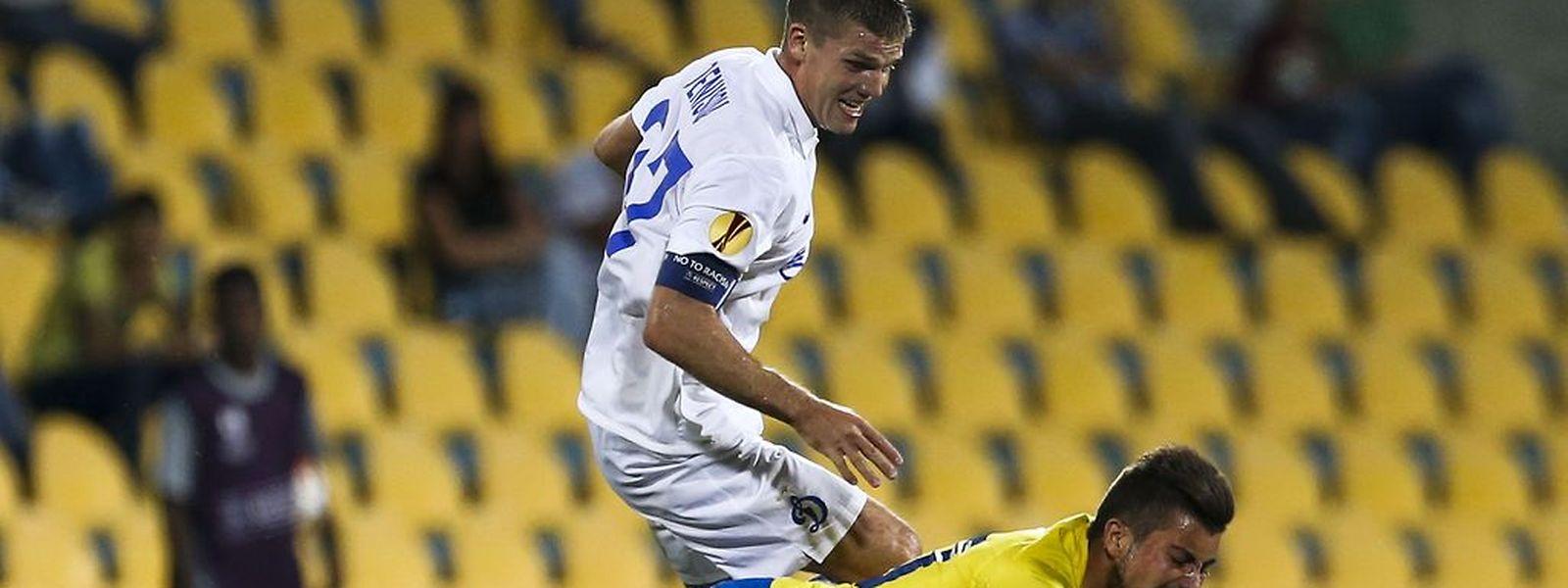 O Dinamo de Moscovo acabou por aproveitar os erros do Estoril e vencer na Amoreira