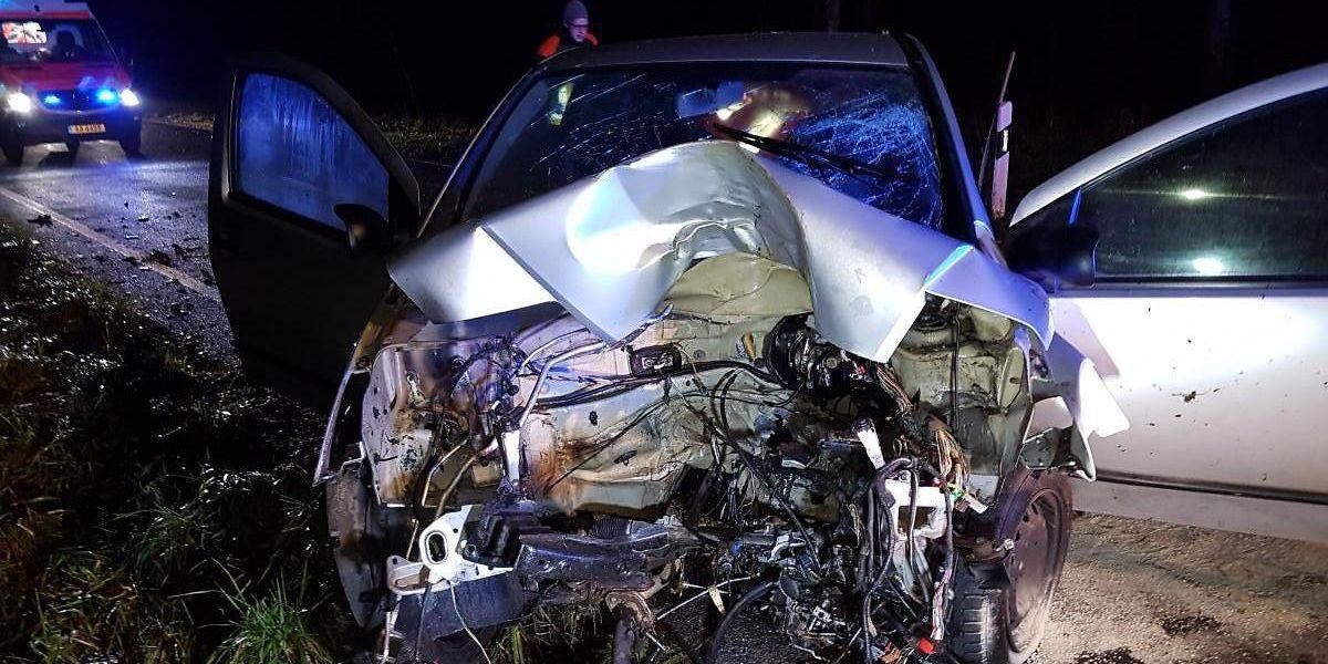Der Aufprall war so heftig, dass der Motor aus dem Wagen geschleudert wurde.