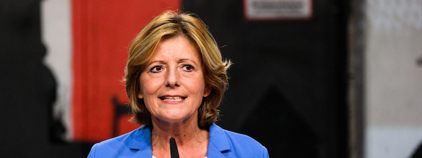 Pour Malu Dreyer, ministre-présidente de Rhénanie-Palatinat, une réforme du classement des zones à risque doit être menée, afin de ne pas pénaliser certaines zones ou pays plus que d'autres.