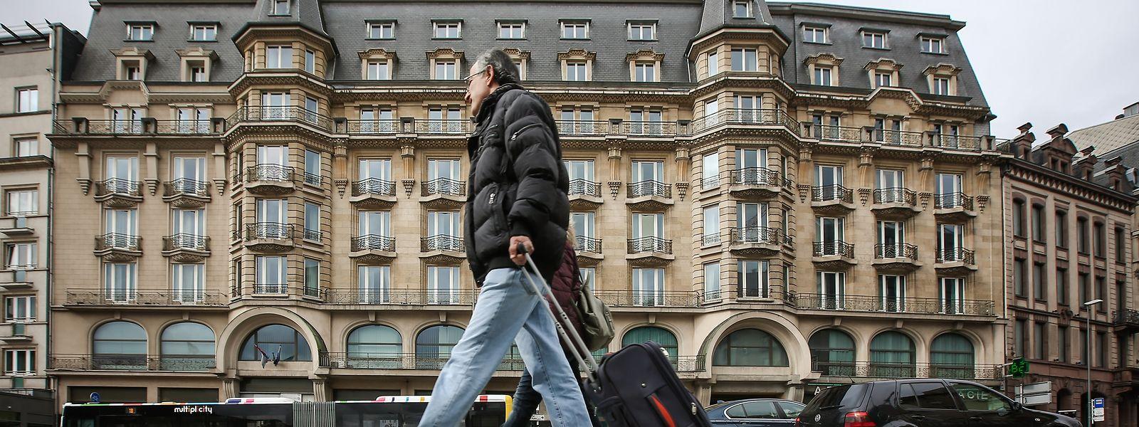 L'emblématique hôtel face à la gare garde ses portes closes depuis un an. La curatrice Yvette Hamilius travaille encore sur «l'addition» dans le cadre de la procédure de faillite initiée le 2 juin.