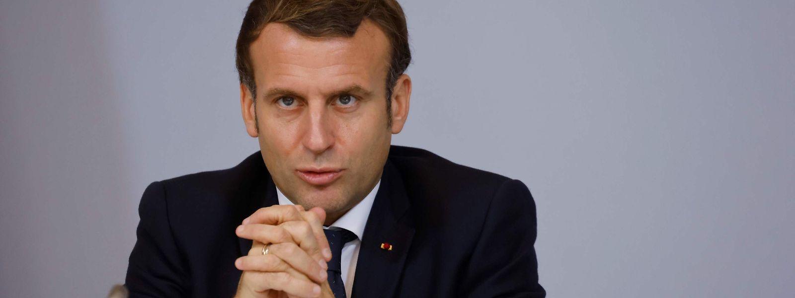 Mardi soir, le Président français détaillera l'allègement des contraintes.